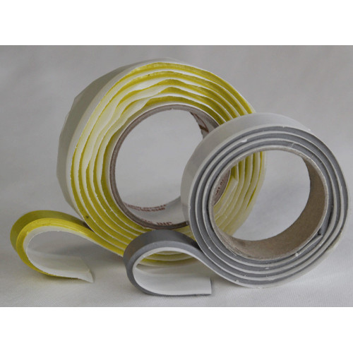 Adhesive tape for vacuum bags
